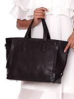 Czarna torba shopper z ażurowaniem i odpinanym paskiem                                  zdj.                                  2