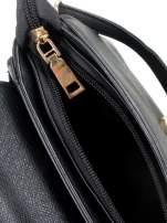 Czarna torebka listonoszka z klapką ze skóry saffiano                                  zdj.                                  9