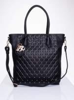 Czarna torebka z pikowaniem i dżetami