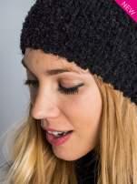 Czarna włochata czapka z pomponem                                  zdj.                                  5