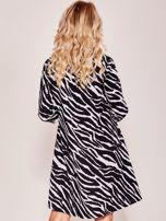 Czarna wzorzysta luźna sukienka                                  zdj.                                  2