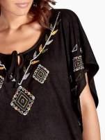 Czarna zamszowa bluzka z haftem w stylu boho                                  zdj.                                  4