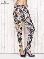 Czarne lejące spodnie z kwiatowym nadrukiem                                                                          zdj.                                                                         1