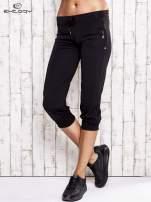 Czarne spodnie capri z wszytą kieszonką                                  zdj.                                  1