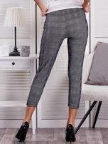 Czarne spodnie materiałowe w kratę                                  zdj.                                  2