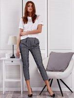 Czarne spodnie materiałowe w kratę                                  zdj.                                  4