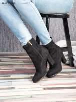 Czarne zamszowe botki faux suede Hannah na wysokim słupku                                  zdj.                                  2