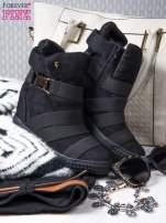 Czarne zamszowe sneakersy bandage z klamerką