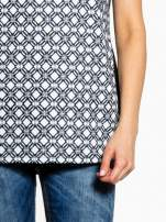 Czarno-biały t-shirt we wzory op-art                                                                          zdj.                                                                         6