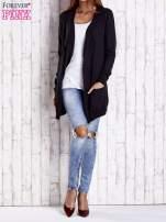 Czarny długi niezapinany sweter z kieszeniami                                  zdj.                                  2