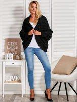 Czarny dziergany sweter  przeplatany błyszczącą nicią                                  zdj.                                  4