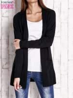 Czarny otwarty sweter z błyszczącą nitką