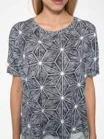 Czarny t-shirt z geometrycznym nadrukiem roślinnym                                  zdj.                                  7