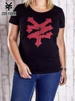 Czarny t-shirt z kolorowym nadrukiem PLUS SIZE