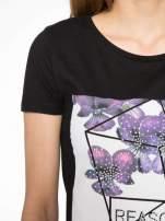 Czarny t-shirt z kwiatowym nadrukiem zdobionym dżetami                                                                          zdj.                                                                         5