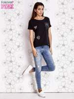 Czarny t-shirt z motywem serca i kokardki                                  zdj.                                  3