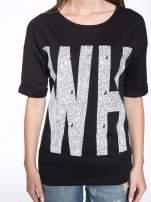 Czarny t-shirt z nadukiem WHY? z przodu i na plecach                                  zdj.                                  6