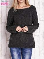 Czarny wełniany sweter z warkoczowym splotem