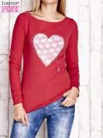Czerwona bluzka z materiałową wstawką                                  zdj.                                  1