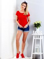 Czerwony t-shirt z wiązanym tyłem                                  zdj.                                  4