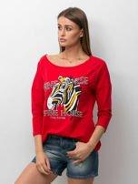 Czerwona bluzka z zwierzęcym nadrukiem i perełkami                                  zdj.                                  1