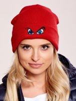 Czerwona czapka beanie z komiksowymi oczami                                  zdj.                                  1