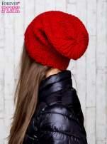 Czerwona dziergana czapka                                                                           zdj.                                                                         3