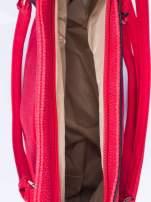 Czerwona fakturowana torba miejska z odpinanym paskiem                                  zdj.                                  4