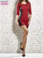 Czerwona sukienka tuba ze skórzanymi modułami