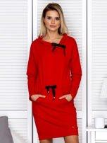 Czerwona sukienka z wstążkami                                   zdj.                                  1