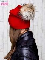 Czerwona wełniana czapka z futrzanym pomponem                                                                           zdj.                                                                         3