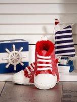 Czerwone ocieplane buciki dziecięce w wzór jodełki                                  zdj.                                  3
