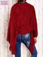 Czerwone włochate asymetryczne poncho                                   zdj.                                  5