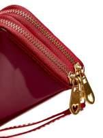 Czerwony lakierowany portfel z uchwytem na rękę                                  zdj.                                  4