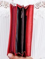 Czerwony skórzany portfel w tłoczone motyle                                  zdj.                                  4