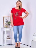 Czerwony t-shirt z błyszczącymi gwiazdami PLUS SIZE                                  zdj.                                  4
