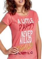 Czerwony t-shirt z napisem A LITTLE PARTY NEVER KILLED NOBODY                                  zdj.                                  5