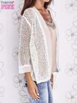 Ecru ażurowy sweter z tiulowym wykończeniem rękawów                                                                          zdj.                                                                         3