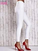 Ecru dopasowane spodnie skinny jeans                                  zdj.                                  2