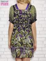 Fioletowa wzorzysta sukienka z kamieniami