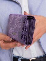 Fioletowy portfel damski we wzory                                  zdj.                                  3