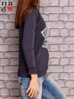 Grafitowy bluza z ornamentowym nadrukiem                                  zdj.                                  3