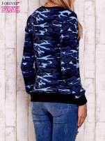 Granatowa bluza z motywem moro                                  zdj.                                  4