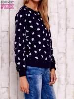 Granatowa bluza z nadrukiem serduszek