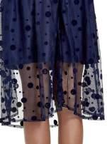 Granatowa spódnica z tiulową warstwą w groszki