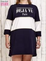Granatowa sukienka dresowa z napisem DÉJÀ VU PLUS SIZE                                  zdj.                                  1