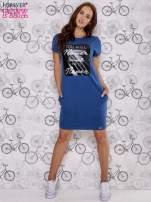 Granatowa sukienka dresowa z napisem YOU WILL NEVER FORGET ME                                  zdj.                                  2