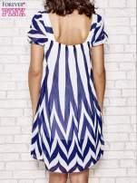 Granatowa sukienka w paski z bufiastymi rękawkami                                  zdj.                                  4