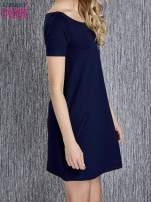 Granatowa trapezowa sukienka z kieszeniami                                  zdj.                                  2