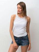 Granatowe jeansowe szorty z kwiatową aplikacją                                   zdj.                                  1